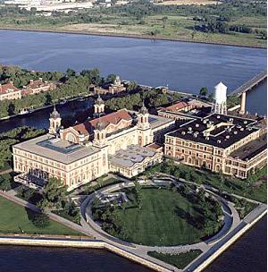 Manifest Destiny: Names at Ellis Island